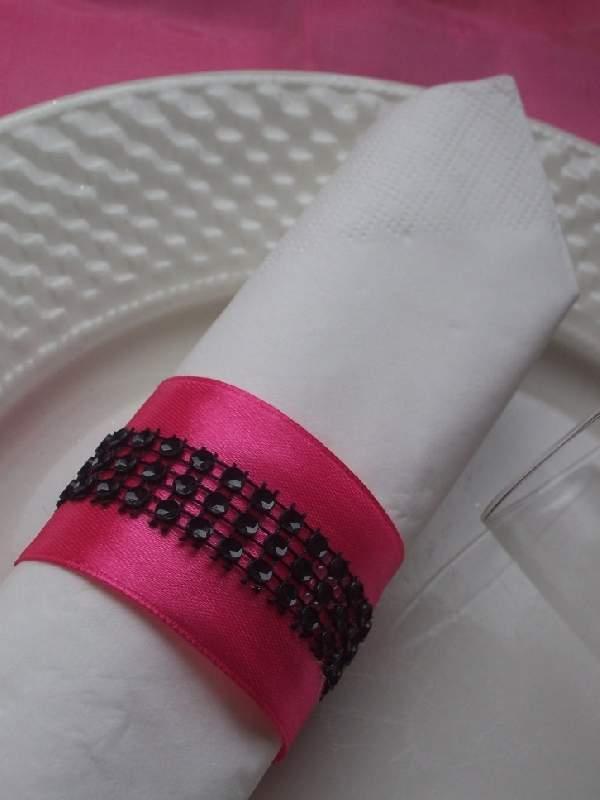 strasszos szalvétagyűrű, pink-fekete