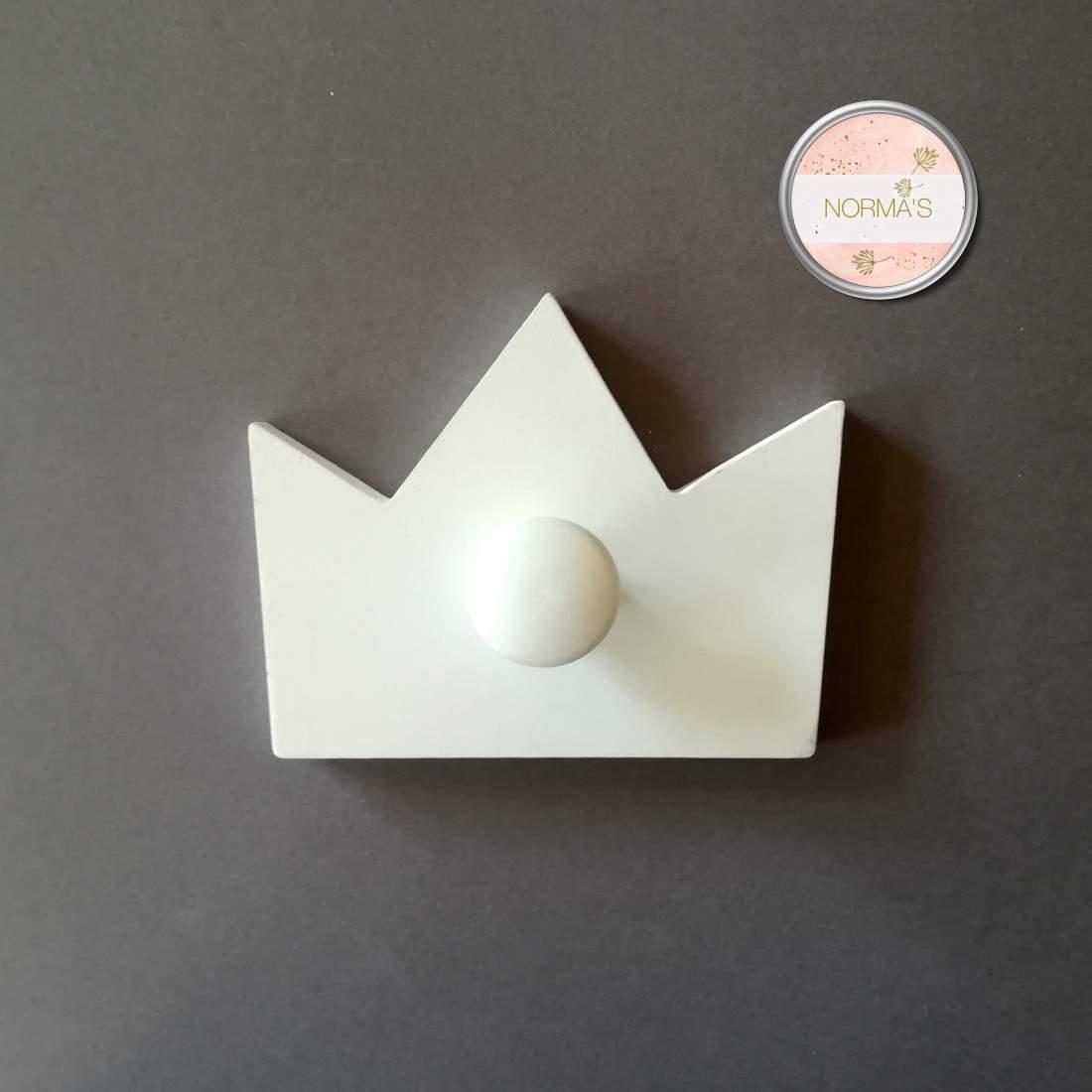 Fehér korona fogas, fából, 1 aksztóval